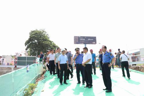渭南市领导率团深入河南11选5走势图下载建设渭南分公司礼悦阁项目对标学习